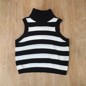 Gianni Bini crop sweater • black and white stripes